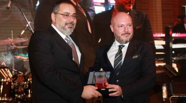 """""""İzmir'e Değer Katanlar"""" ödülü Evora İzmir'in oldu.."""