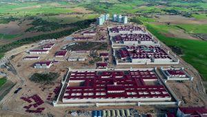 Adana'da yeni cezaevi kampüsünün inşaatı sürüyor