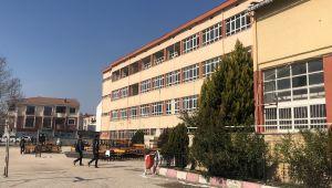 Bursa'da binlerce mezun veren Gemlik Endüstri Meslek Lisesi yıkılıyor