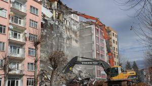 Depremin bilançosu artıyor