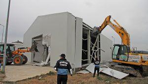 Ataşehir'de kaçak yapılarla mücadele sürüyor