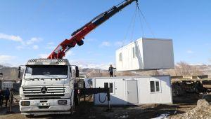 Depremzedeler için konteynerler kuruluyor
