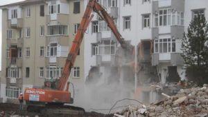 Elazığ'da hasarlı binaların yıkımı için ihale