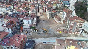 Elazığ'da depremde hasar gören bir mahallede daha yıkım başladı