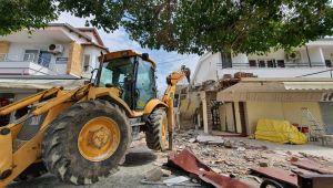 Mimari projeye aykırı kaçak yapı yıkıldı
