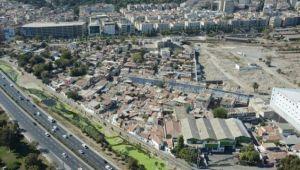 Bekle'den Kentsel Dönüşüm Eleştirisi: Projeler Reklam Panolarında Kaldı