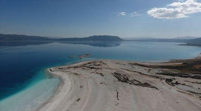 Salda'nın Bazı Bölgelerinde Göle Giriş Yasaklandı